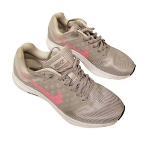 Nike Downshifter 7 Running Sneakers